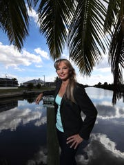Lisa Lansky, a forensics analyst for the Cape Coral police department, is actually best-selling crime author Lisa Black, on the New York Times list.