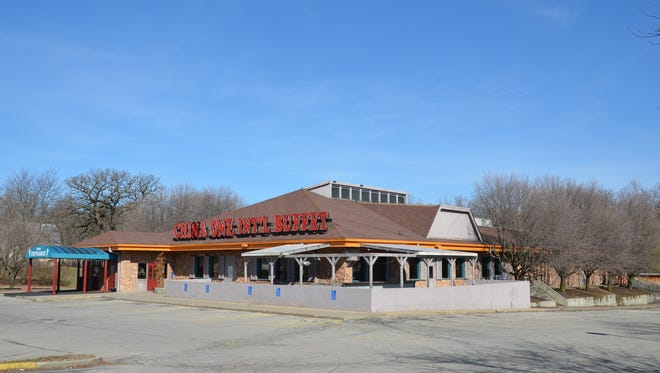 Roers Investments plans to replace this closed buffet with a $35 million apartment complex and retail center.