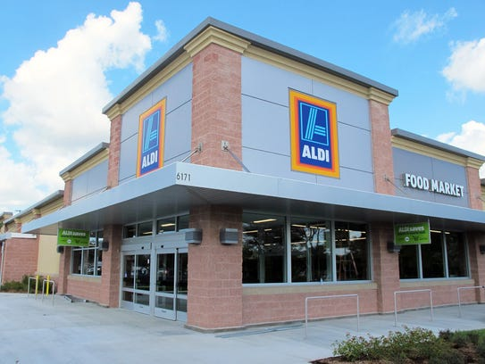After opening its first area grocery store on Naples