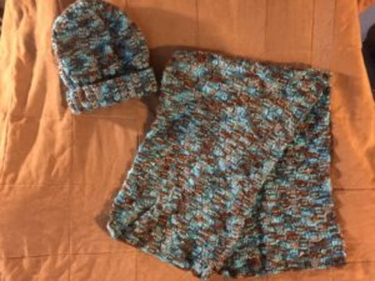 links to free reversible cable scarf patterns