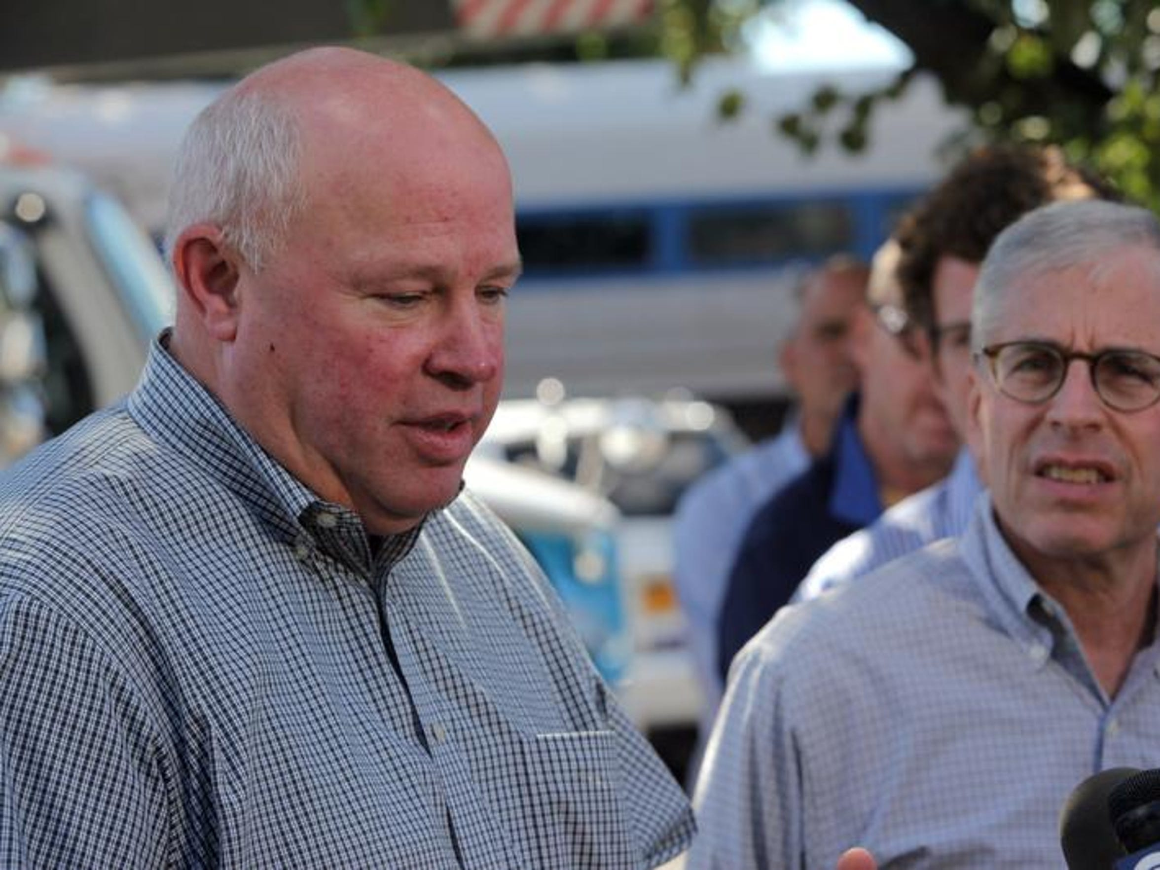 From left, MTA Chairman Tom Prendergast and former