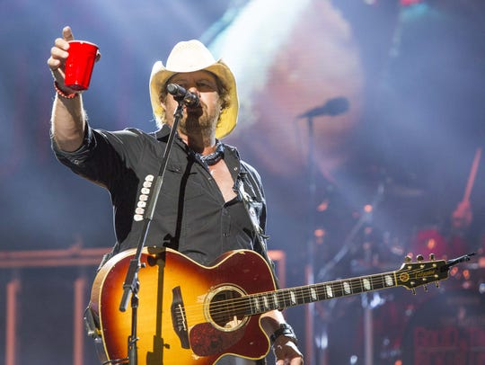 Toby Keith performs at Ak-Chin Pavilion, Sunday, May