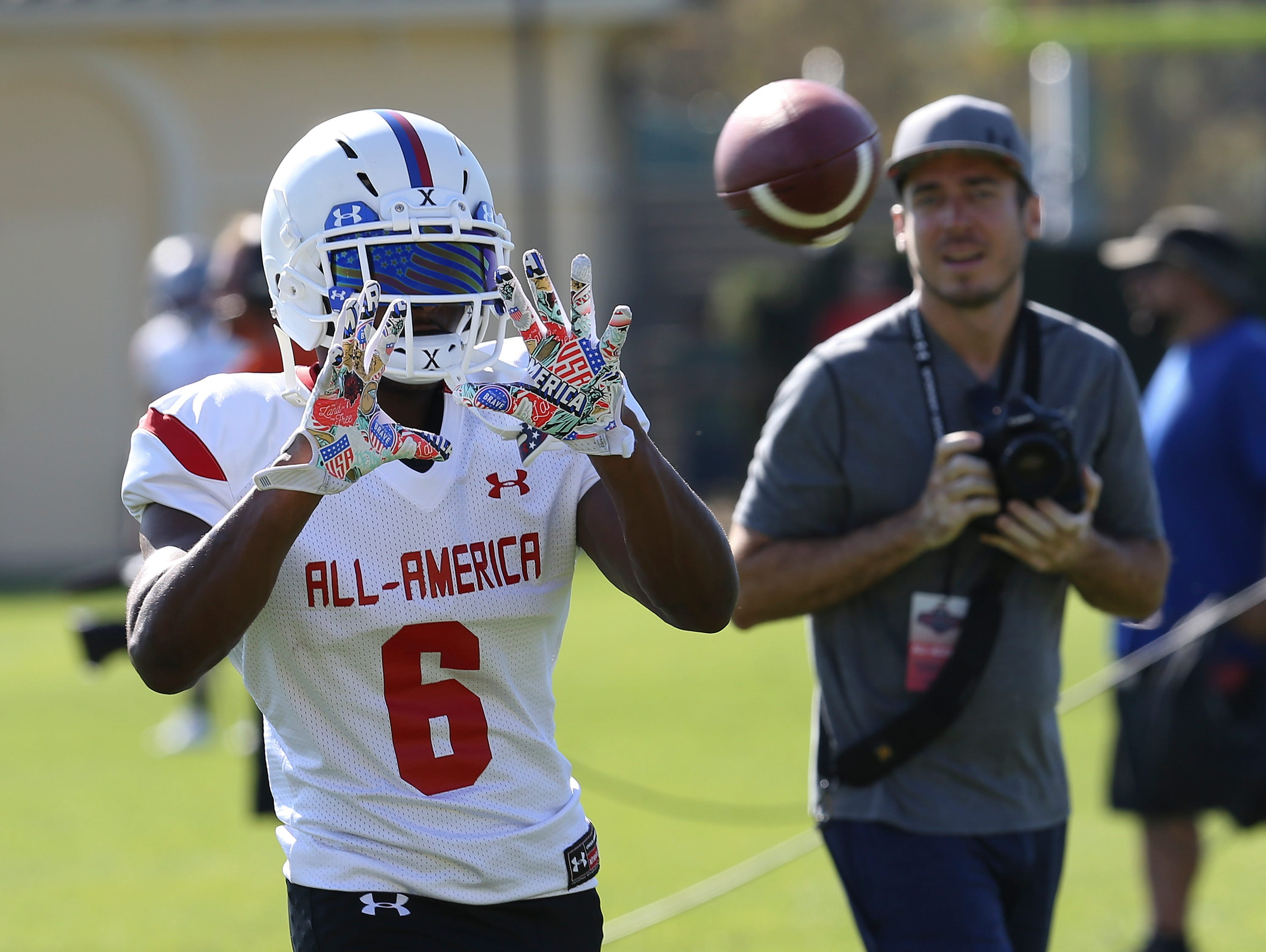 U of L recruit Russ Yeast (6) catches a pass for Team Highlight during practice for the upcoming Under Armour All-American Game in Orlando, Fla. Dec. 29, 2016