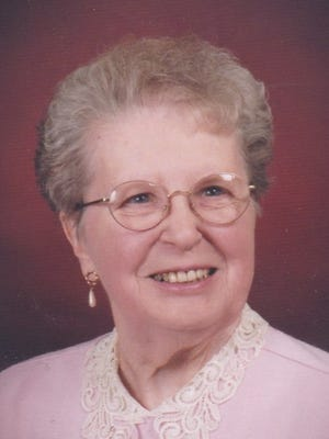 Eileen Rose Meyer passed away peacefully on April 29, 2015, at the age of 89 in Pathways Hospice, Loveland, Colorado.