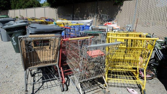 Los negocios de Salinas ahora serán responsables de asegurar sus propios carritos de compras, y enfrentarán multas si no recuperan los que hayan sido robados.