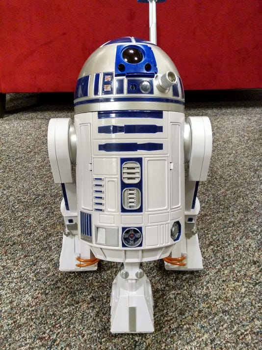 Remote-control R2-D2 at De-Pere church event