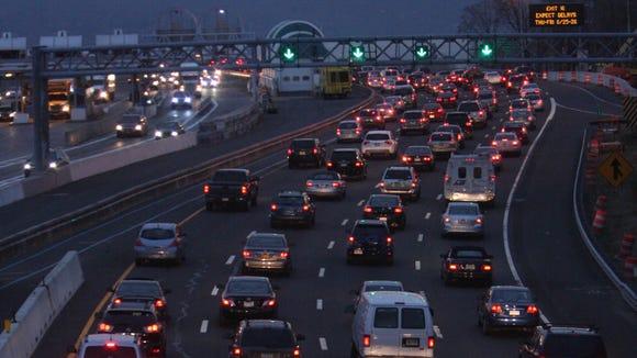 Traffic heads west toward the Tappan Zee Bridge in
