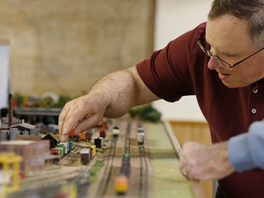 635973779549404478-4-27-16-MAN-N-Model-Railroad-0004.jpg