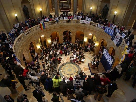 AP Minnesota Legislature Start_002