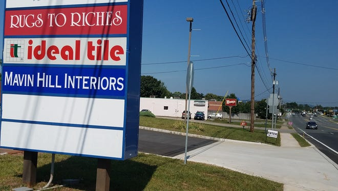 Lidl, a German discount grocer, wants to open a store on southbound Route 31 at the Flemington Circle, a site occupied by Expo Plaza, Wendy's and Toy Kingdom, Wendy's will be relocated.