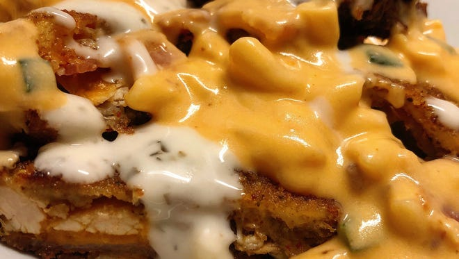 Deep Fried Chicken/Bacon/Ranch Sandwich (topped with jalapeño bacon mac and cheese)