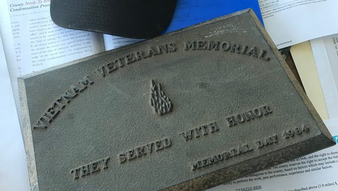 A plaque that went missing at Veterans Park in Fond du Lac has been located.