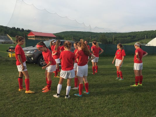 BGM 0614 GBUFC girls practice