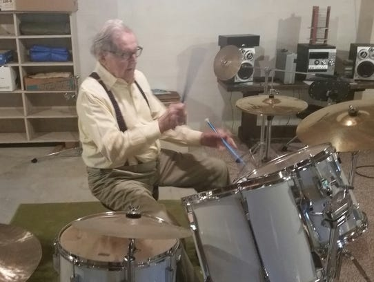 Hank Hiner, at the age of 94, still loves to play the