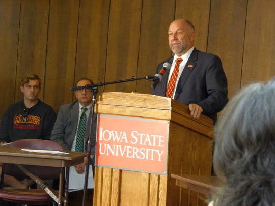 Iowa State University President Steven Leath takes questions Wednesday, Oct. 5, 2016, from members of the ISU Student Government Senate. The Senate was considering a resolution on whether to ask the Iowa Board of Regents to investigate Leath's use of university-owned aircraft.