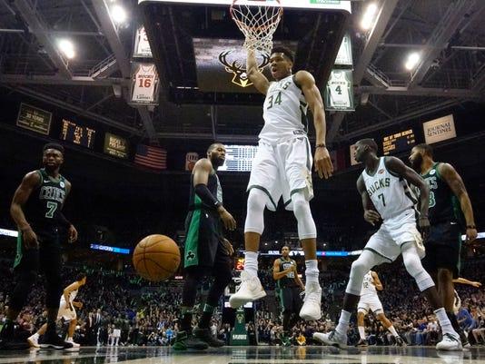 636600095769349657-AP-Celtics-Bucks-Basketball.4.jpg