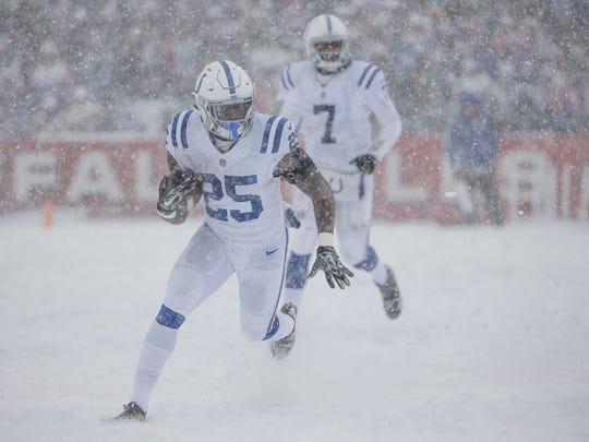 Indianapolis Colts running back Marlon Mack (25) takes