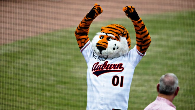 Auburn cheers before the Capitol City Classic on Tuesday, March 27, 2018, in Montgomery, Ala.