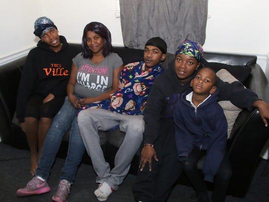 Sherri Hampton and her four children, left to right,