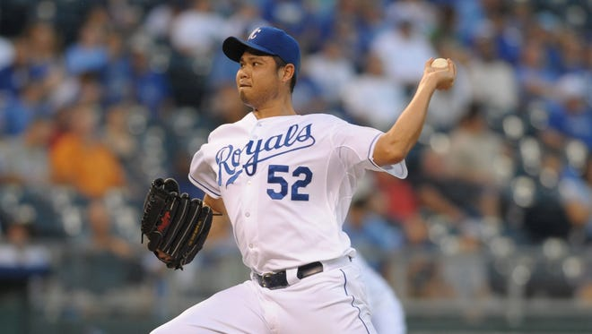 Bruce Chen spent time as a starter and reliever last season with the Royals.