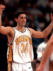 Valparaiso's Bryce Drew (24) puts his hands in the
