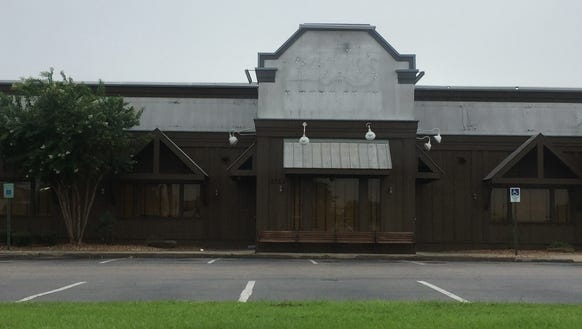 Logan's Roadhouse recently closed its Lafayette location.