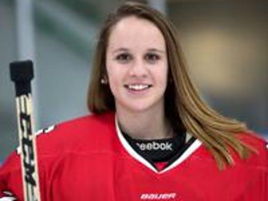 St. Cloud Icebreakers goaltender Emily Musielewicz