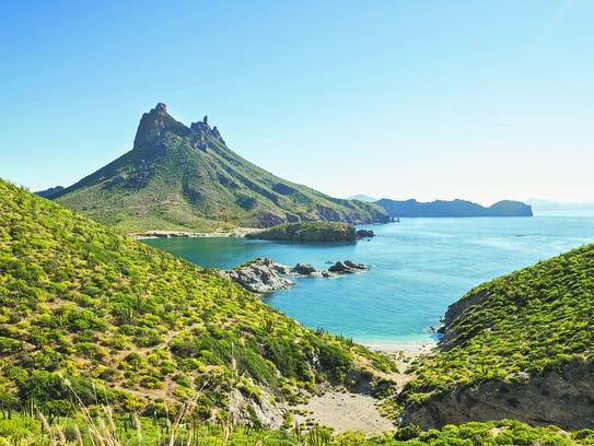 Una vista de San Carlos, el Mar de Cortez y el icónico