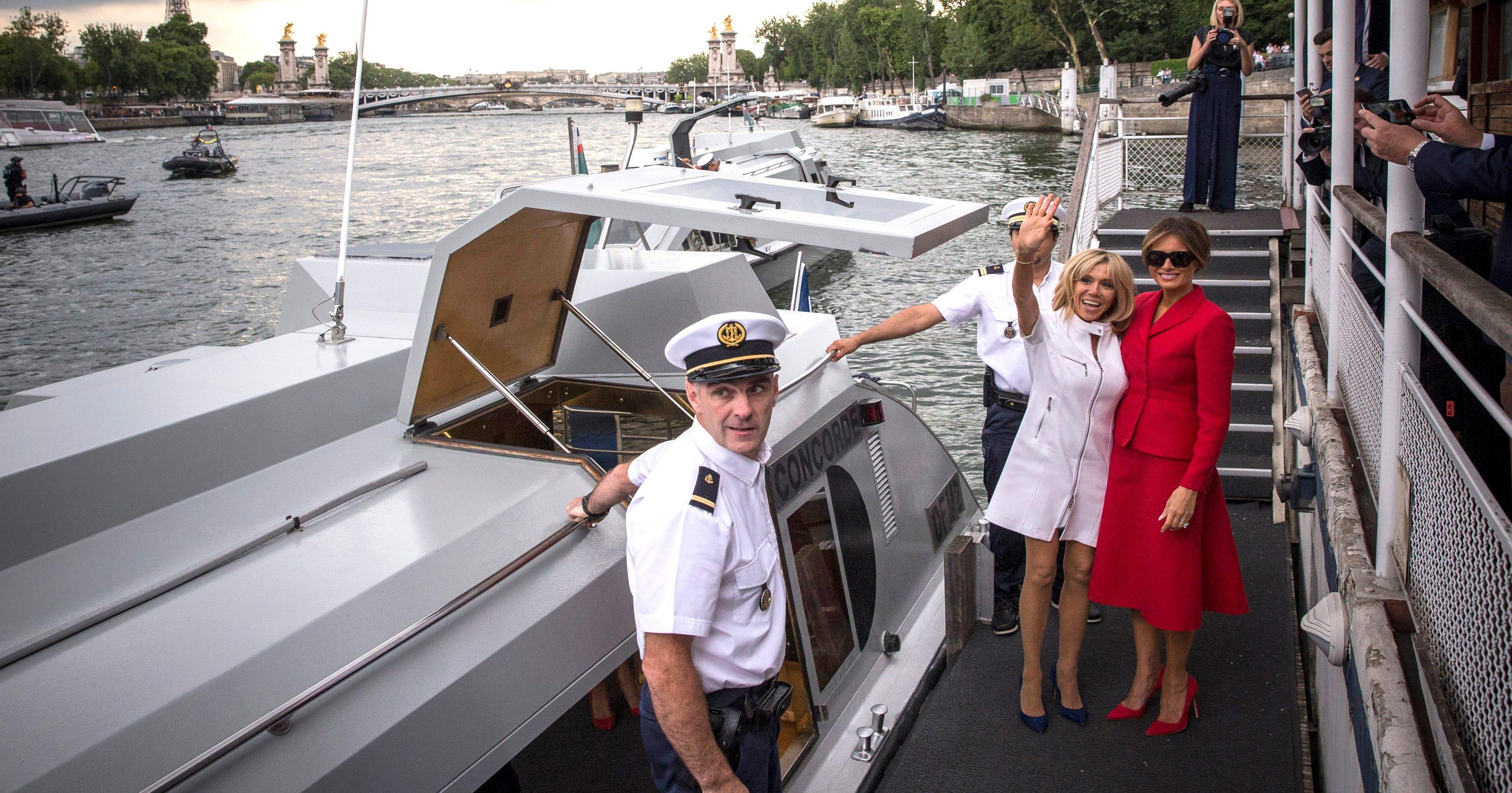 Melania Trump First Lady Shines During Paris Visit Sandal Connec Arizona Navy Fuchsia Woman 36