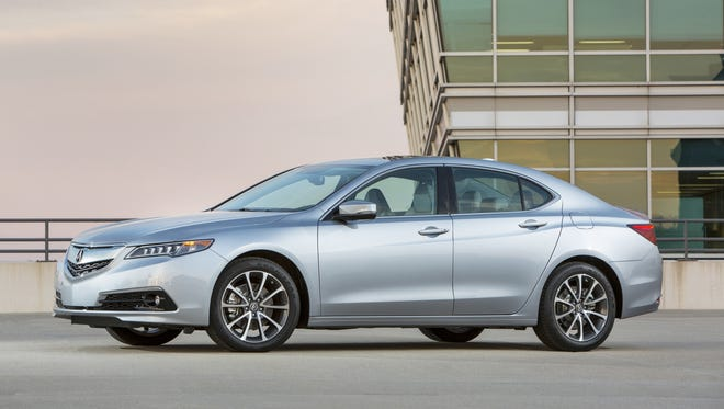 A base price of $30,995, and $35,920 as-tested, puts 2015 Acura TLX against the Buick Regal, Lincoln MKZ, Lexus ES, VW CC and Kia Cadenza.