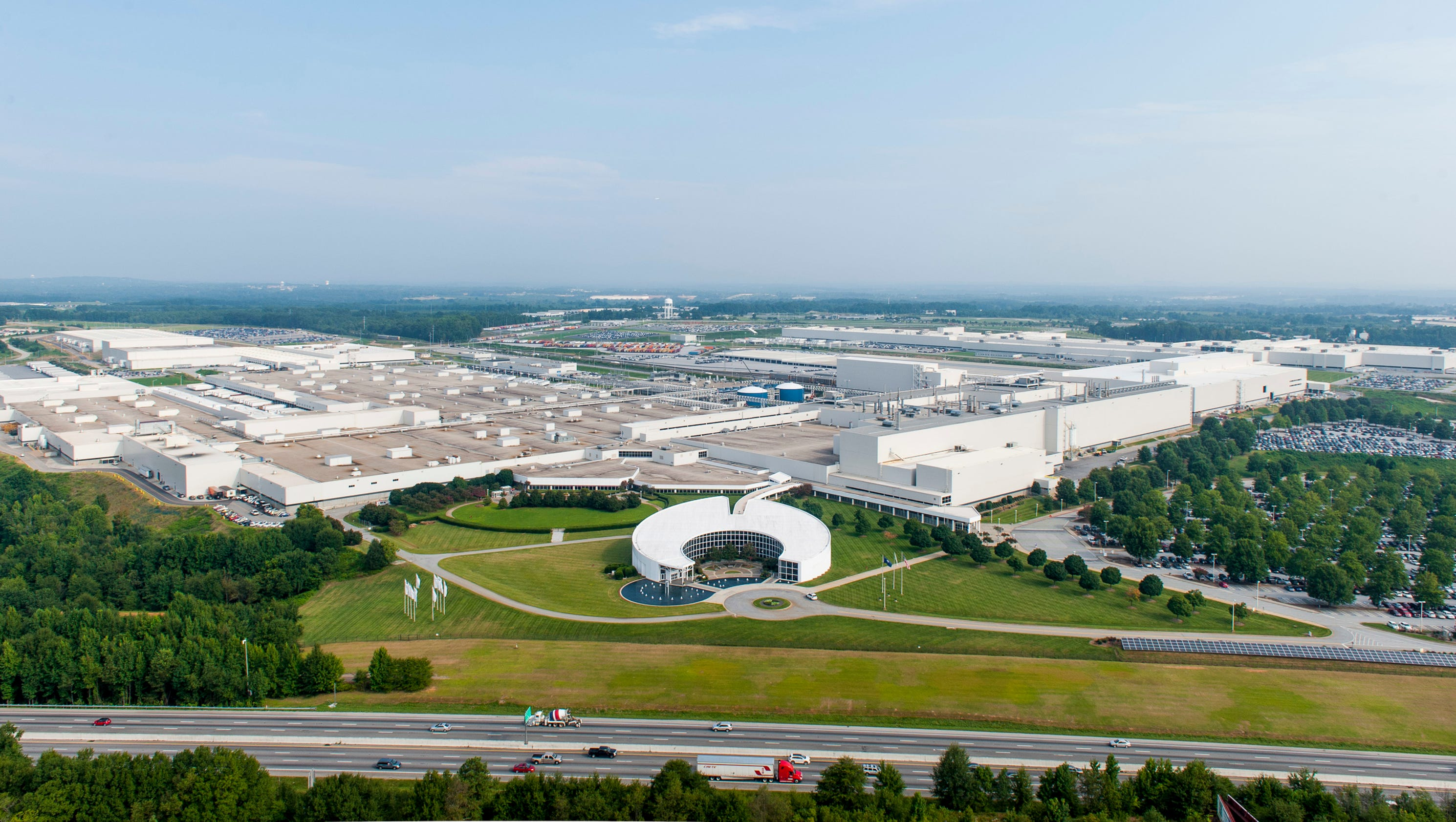 Bmw Plant Death Contract Worker Died In Vehicle Lift Accident