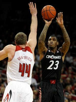 Cincinnati senior guard Sean Kilpatrick leads the AAC in scoring with 19.5 points a game and shoots 86.2 percent from the free throw line.