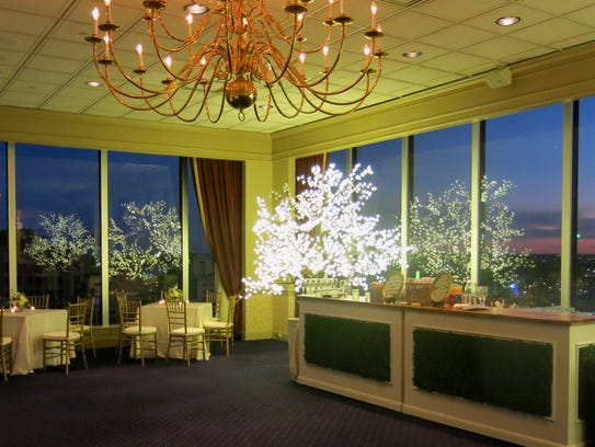 Petroleum Club members and their guests enjoy sweeping views of downtown Shreveport and the Red River at the top of the Mid-South Towers on Travis Street. The private corporate and social club also rents out space for meetings and parties.