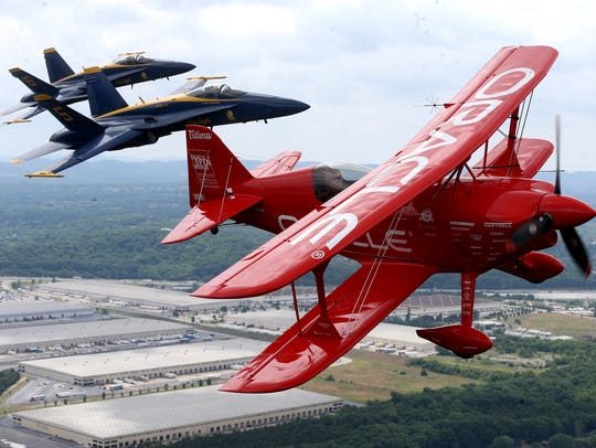 Sean D. Tucker of Team Oracle will join the U.S. Navy Blue Angels Flight Demonstration Team at the 2019 Great Tennessee Air Show, June 8-9.