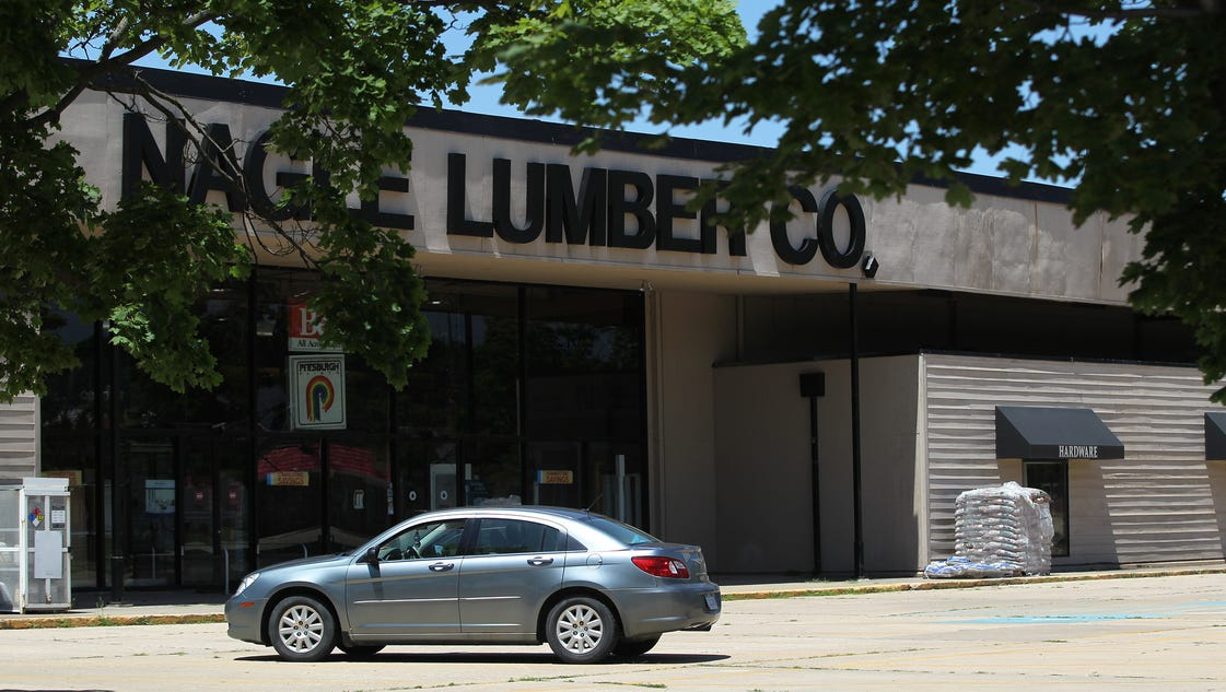 """lumber city chatrooms Unfortunately, the rooms are filled with scroll saw and has a weekly chat show """"talk shop with lumber city woodworking shop tour 2017."""