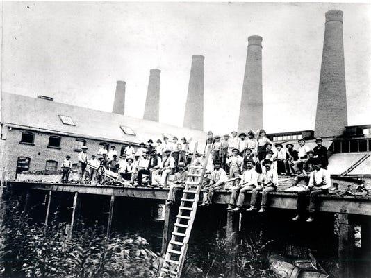 1891 Smokestack Construction at Mainplant0001