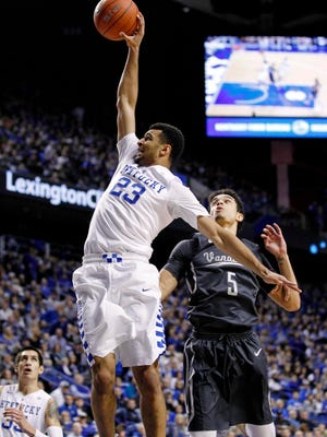 Kentucky guard Jamal Murray (23) dunks the ball against Vanderbilt guard Matthew Fisher-Davis (5) on Jan. 23, 2016.