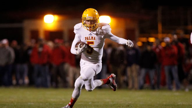 Palma runs the ball against San Benito during an CCS Gabilan Division championship football game at San Benito High on Friday, November 4, 2016 in Hollister, Calif. -- Vernon McKnight/for The Californian