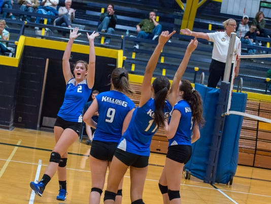 636408453924719296-KCC-Volleyball-vs.-Glen-Oaks---9-7-17-20.jpg