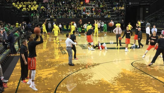 Oregon State players warm up before Saturday's game