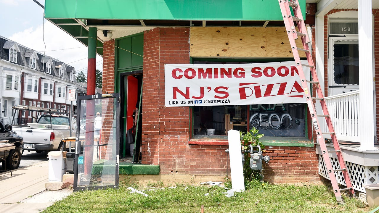 Watch: New pizza shop to open near York College