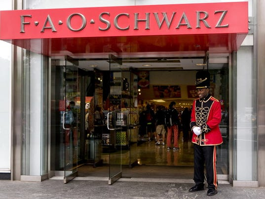 Fao schwarz toy store in nyc closing july 15 fao schwarz a doorman dressed as a toy soldier stands outside the fao schwarz flagship store on fifth avenue in new york sciox Image collections