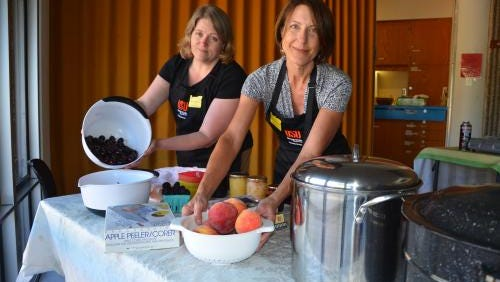 Master Food Preservers conduct demonstrations and workshops, test pressure canner gauges, staff exhibits at county fairs or farmers markets, and provide nutrition information.