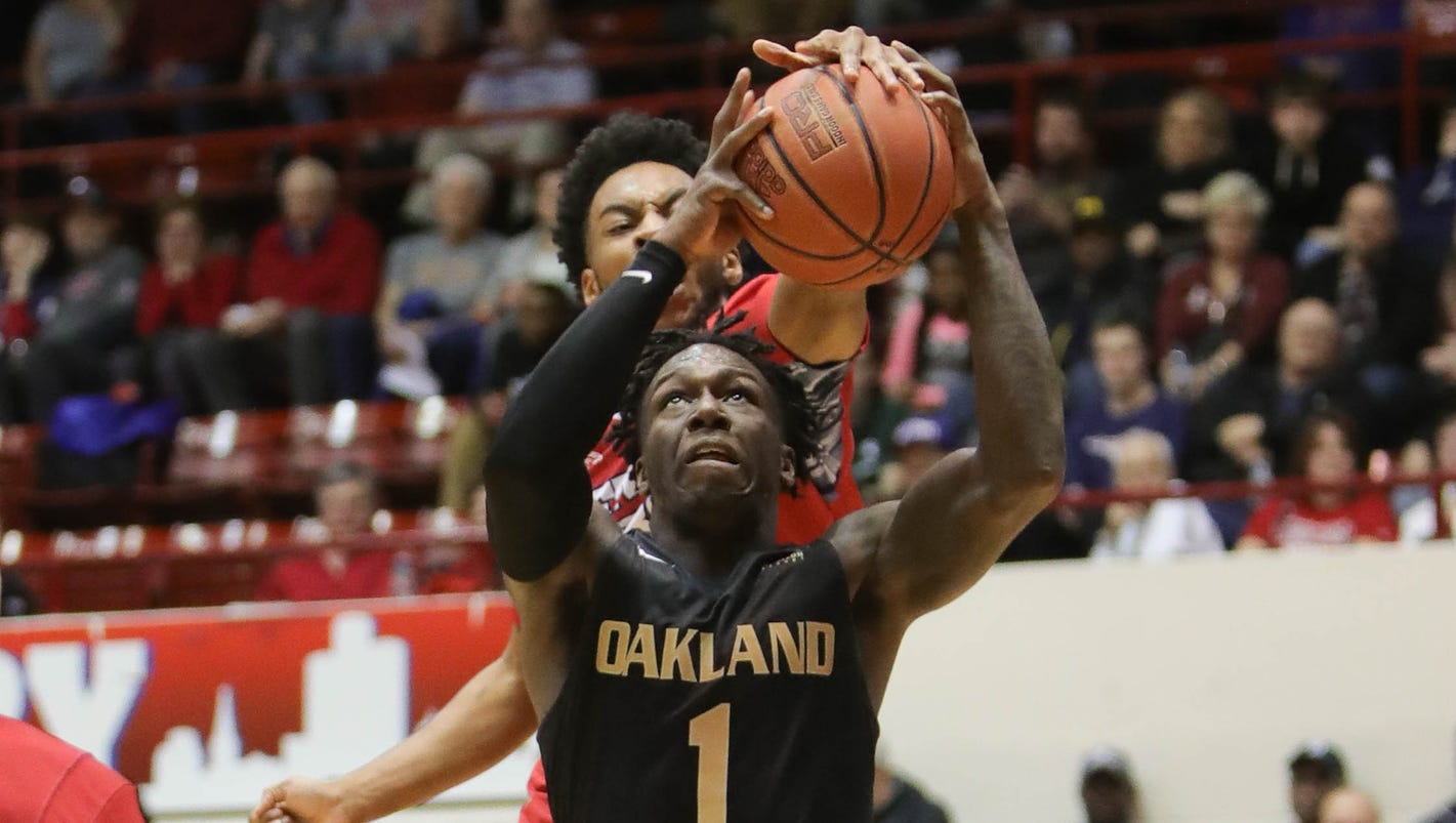 College hoops: Strong 2nd half lifts Oakland over Detroit Mercy, 87-78