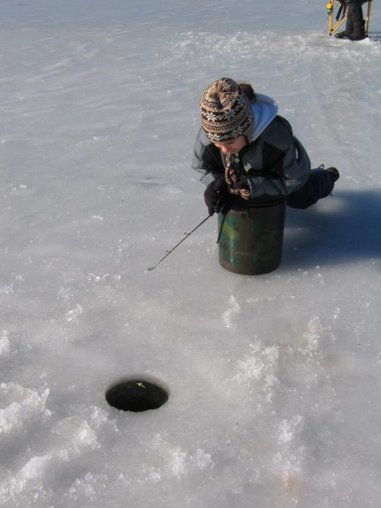 636192150936272666-Ice-fishing.jpg