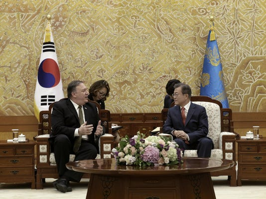 Moon Jae-in, Mike Pompeo