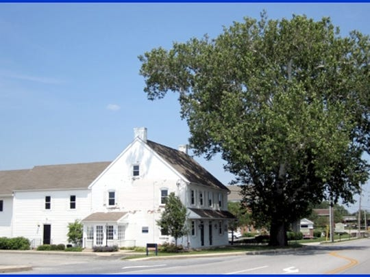 Building and Sycamore Tree at 2901 Whiteford Road (2015 Photo by S. H. Smith)