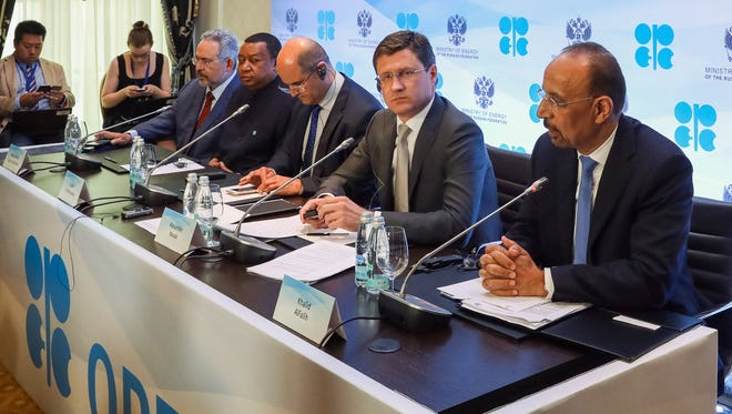 (From R) Saudi Arabia's Energy Minister Khalid al-Falih, Russia's Energy Minister Alexander Novak, Kuwait's Oil Minister Essam al-Marzouk and OPEC Secretary General Mohammad Barkindo attend a meeting of the 4th OPEC-Non-OPEC Ministerial Monitoring Committee in St. Petersburg on July 24, 2017.