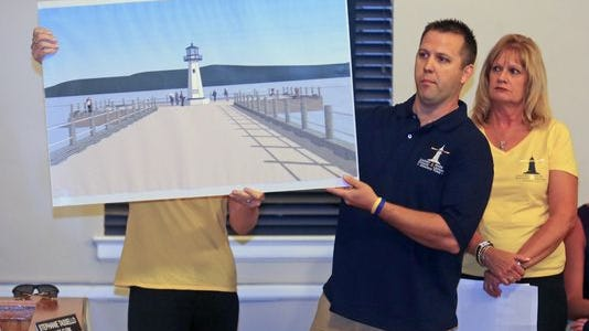 Ray Lennon and Carol Stewart Kosik want to erect a lighthouse in Piremont on the Hudson River. His brother and her daughter died in a 2013 boat crash.