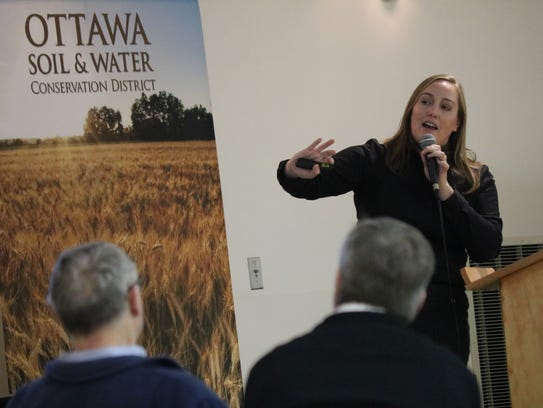 Lindsay Pease, of the USDA Agricultural Research Service,